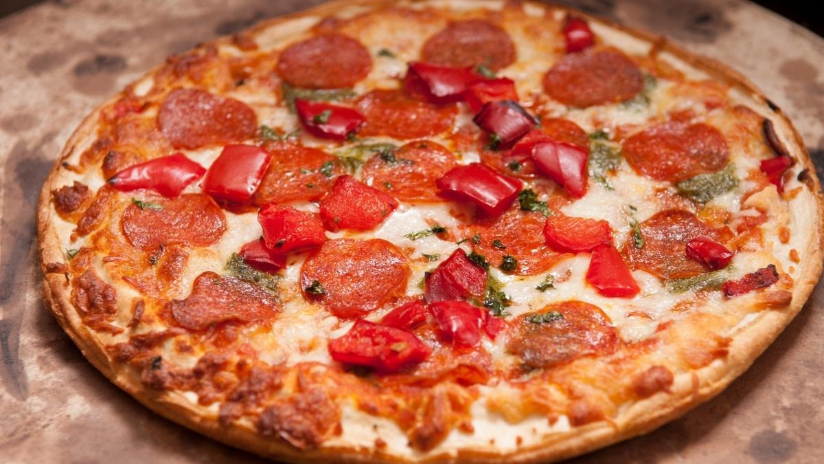 Can Pregnant Women Eat Pepperoni?